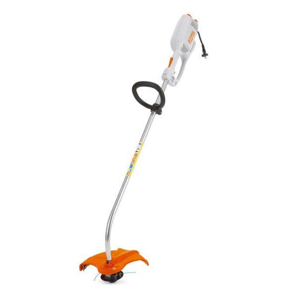 Bordeadora Stihl FSE 60, especial para recortar bordes y para trabajos de limpieza alrededor de árboles - La Quinta