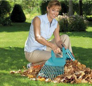 Recolectar tus hojas nunca fue tán fácil como con la Escoba Separable Gardena CombiSystem