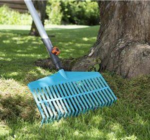 Escoba Barrehojas Gardena 3101-20, útil para cualquier trabajo de rastrillado