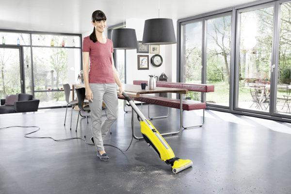 Limpiar la casa con la fregadora Karcher FC 5 es muy fácil